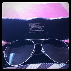 Burberry aviators like new w case